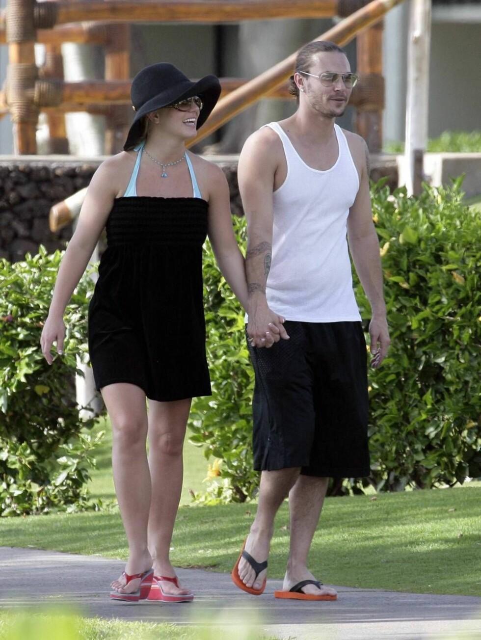 HOLDER SAMMEN: Britney hevder ekteskapet til Kevin er supert. Foto: All Over Press