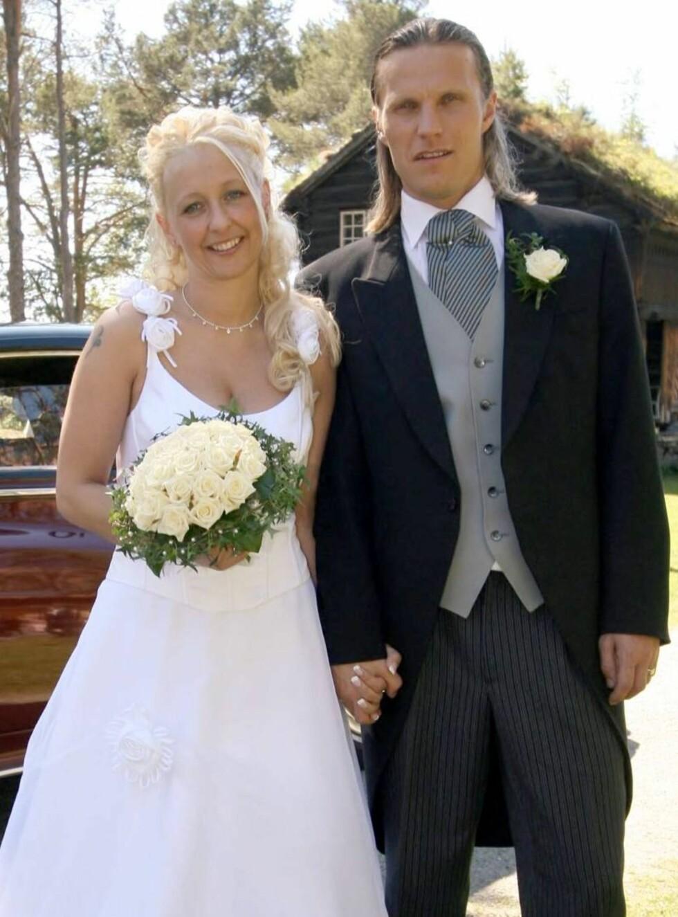 DEILIG DAG: Paret ønsket ikke noe stort oppstyr rundt bryllupet. Foto: Morten Krogh/Se og Hør