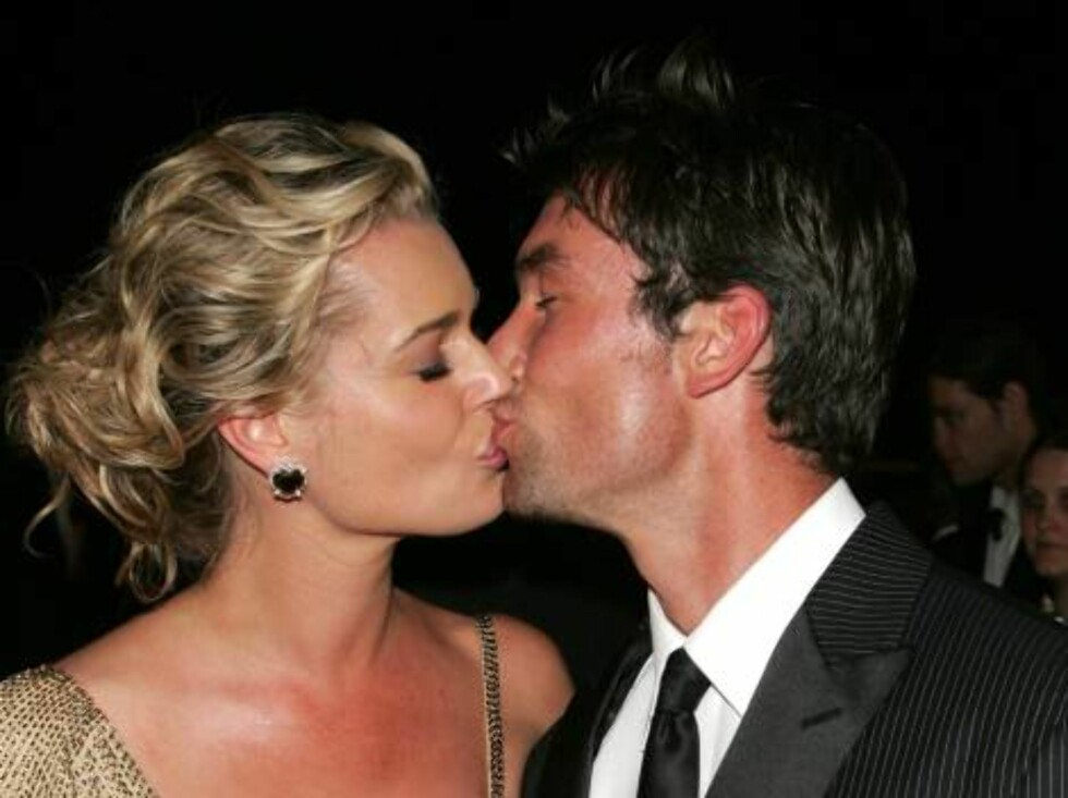 CANNES, FRANCE - MAY 22:  Rebecca Romijn and Jerry O'Connell photographed after the 'X-Men 3: The Last Stand' premiere at the Palais des Festivals during the 59th International Cannes Film Festival May 22, 2006 in Cannes, France.  (Photo by Peter Kramer/G Foto: All Over Press