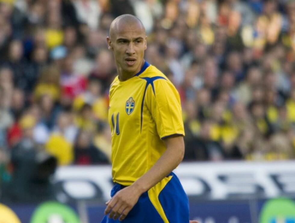 BLÅGUL HELT: Henrik Henke Larsson. Foto: TV2