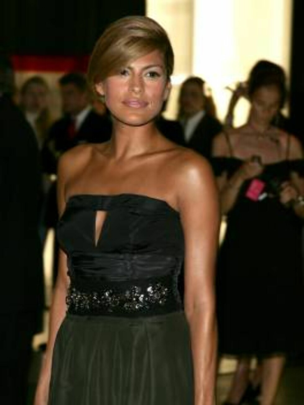 "<strong>BEVERLY HILLS, CA - JULY 13:</strong>  Actress Eva Mendes arrives at the opening of ""Waist Down - Skirts By Miuccia Prada"" held at Prada on July 13, 2006 in Beverly Hills, California.  (Photo by Frazer Harrison/Getty Images) *** Local Caption *** Eva Mendes  * SPE Foto: All Over Press"