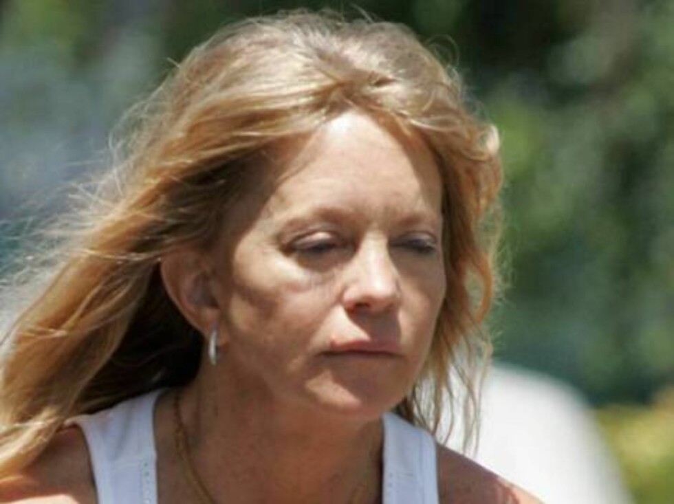 Code: X17XX8- Ginsburg-Spaly,  PACIFIC PALISADES, USA, 11.06.2004:  ACTRESS Goldie Hawn wearing no make-up as she rides her bike in Pacific Palisades. June 11 2004, exclusive   All Over Press/ X17 agency / Ginsburg-Spaly / ALL OVER PRESS Foto: All Over Press