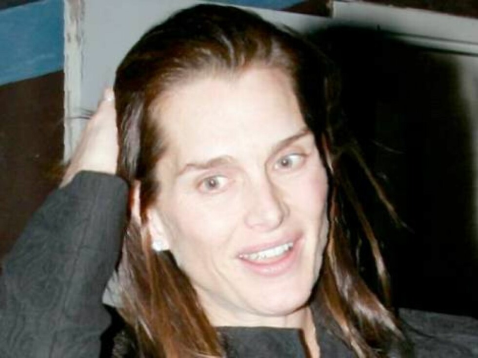 Pregnant Brooke Shields wearing no makeup leaving a restaurant in Hollywood. January 23, 2006 X17agency EXCLUSIVE / ALL OVER PRESS Foto: All Over Press