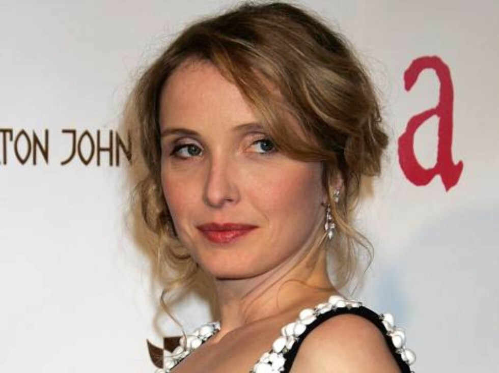 WEST HOLLYWOOD, CA - MARCH 05:  Actress Julie Delpy arrives at the 14th Annual Elton John Academy Awards viewing party held at the Pacific Design Center on March 5, 2006 in West Hollywood, California.  (Photo by David Livingston/Getty Images) *** Local Ca Foto: All Over Press