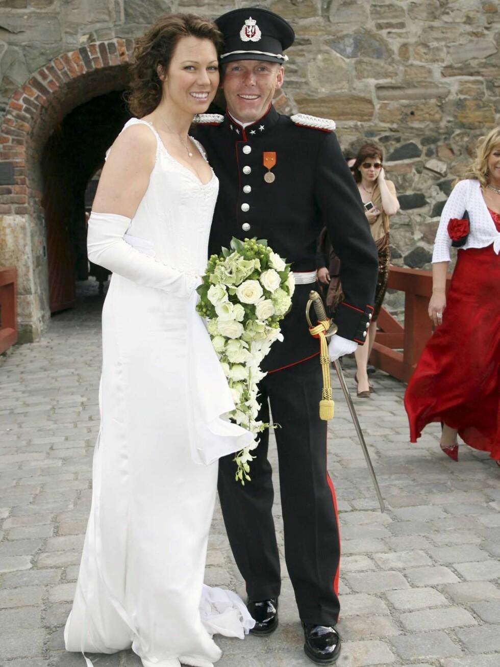 VAKKER: Trines eksklusive brudekjole ble spesialdesignet av kjendisdesigner Kåre Jånni Enderud. Foto: Tore Skaar, Se og Hør