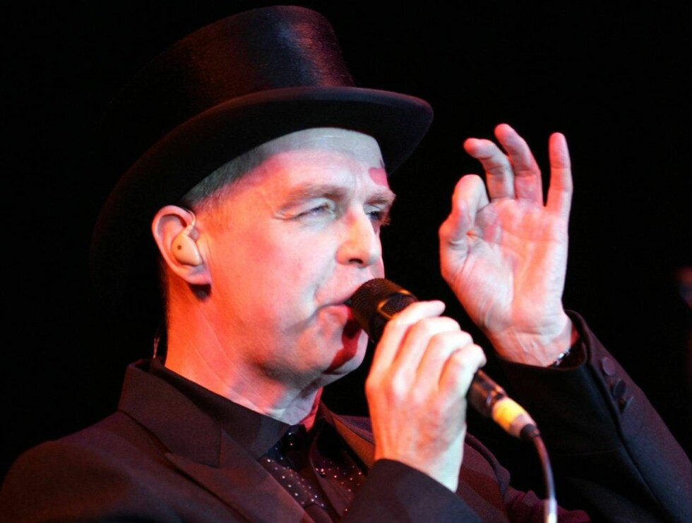 LURTE DØDEN: Neil Tennant i Pet Shop Boys er fortsatt skjelven etter at han lurte dødsrulletrappa på Arlanda... Foto: All Over Press