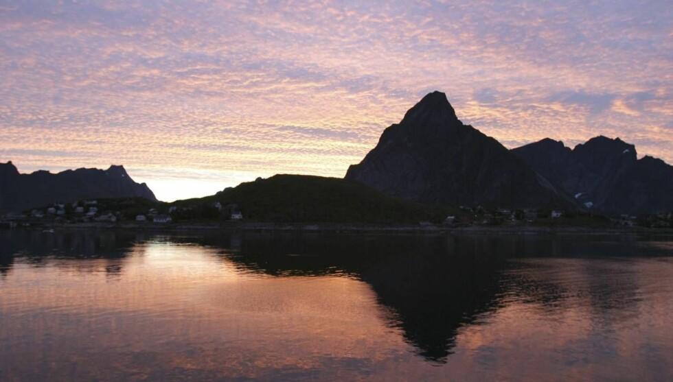 LYSE NETTER: Lofoten og Helgeland byr på fabelaktige naturopplevelser. Foto: Vidar Engum/Se og Hør