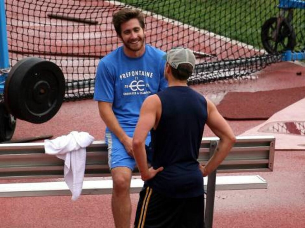 Jake Gyllenhaal running on the track with Ryan Phillipe in Westwood praticing sprint. June 9, 2006 X17agency EXCLUSIVE Foto: All Over Press