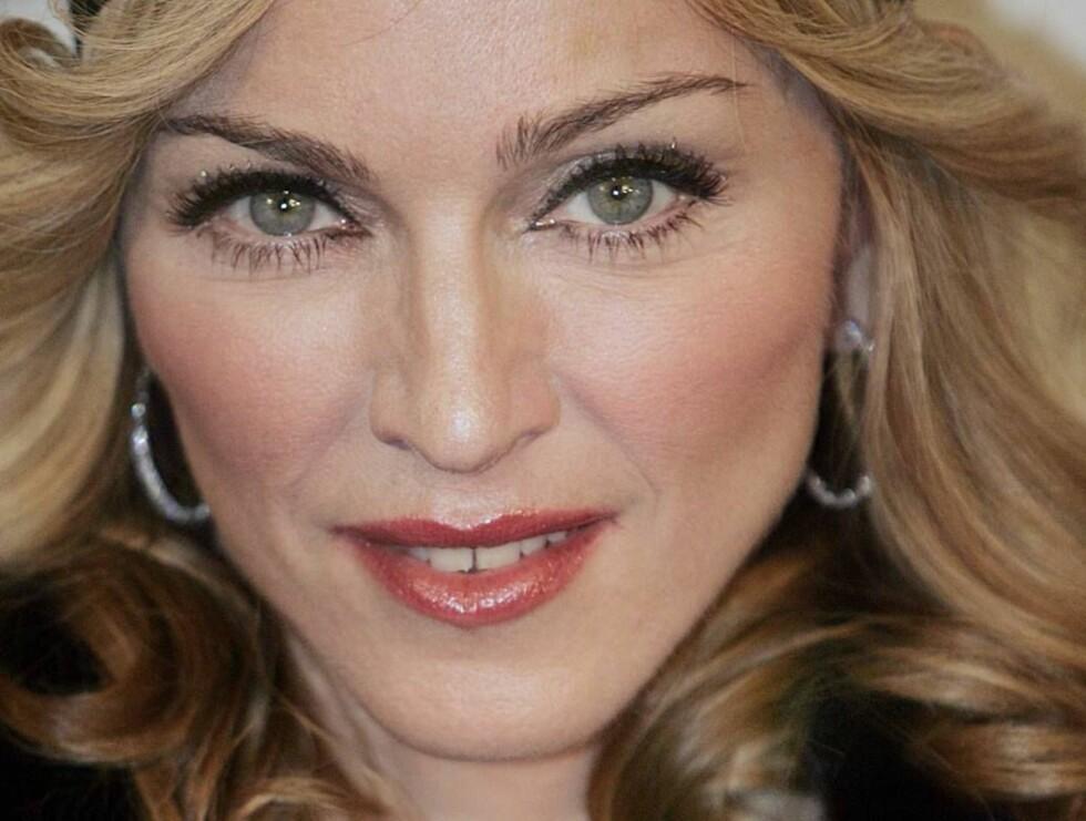 STILSIKKER: Madonna utstråler selvsikkerhet og er et rollebilde for kvinner verden over. Foto: AP/Scanpix