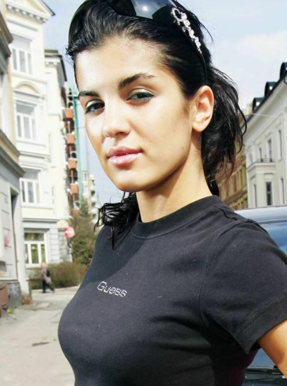 MISTET ALT: Etter å ha blitt rundstjålet i Cannes måtte Aylar reise pengelens hjem. Foto: Espen Solli