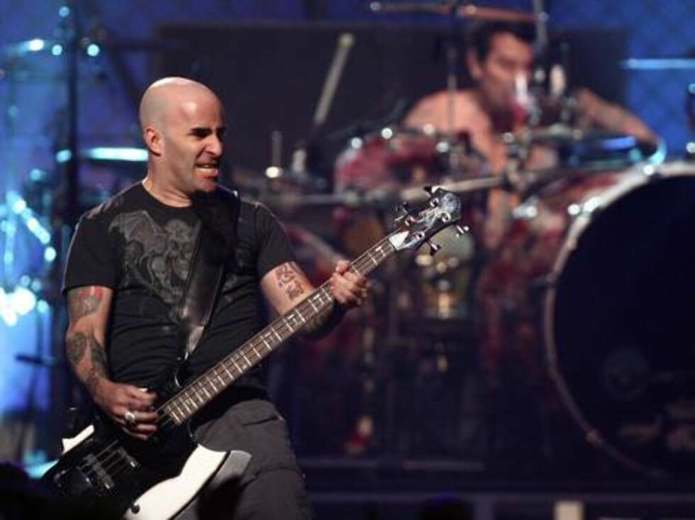 <strong>LAS VEGAS - MAY 25:</strong>  Musician Scott Ian of The All Star Band performs during the VH1 Rock Honors at the Mandalay Bay Events Center on May 25, 2006 in Las Vegas, Nevada.  (Photo by Kevin Winter/Getty Images) *** Local Caption *** Scott Ian  * SPECIAL INSTR Foto: All Over Press