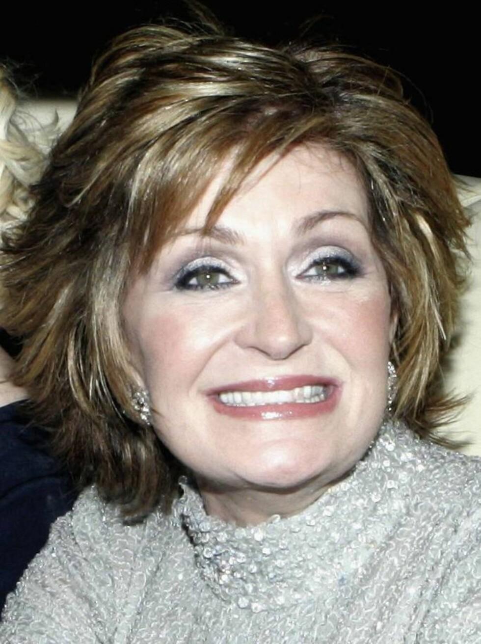 STRÅLER: Sharon Osbourne har hatt mer suksess med sine plastiske inngrep enn Michael Jackson. Foto: All Over Press