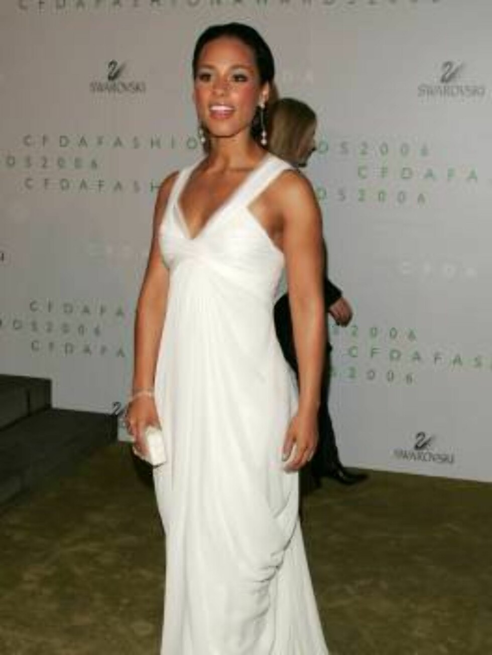 NEW YORK - JUNE 5:  Singer Alicia Keys attends the 2006 CFDA Awards at the New York Public Library on June 5, 2006 in New York City.  (Photo by Peter Kramer/Getty Images) *** Local Caption *** Alicia Keys   * SPECIAL INSTRUCTIONS:  * *OBJECT NAME: 7112472 Foto: All Over Press