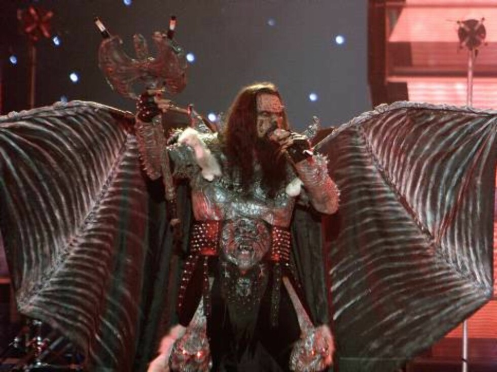 The group Lordi performs for Finland with the song 'Hard Rock Rallelujah' during the dress rehearsal final of the Eurovision Song Contestat the Indoor Olympic stadium in Athens on Friday, May 19, 2006. Organizers estimate more than 100 million TV viewers Foto: AP