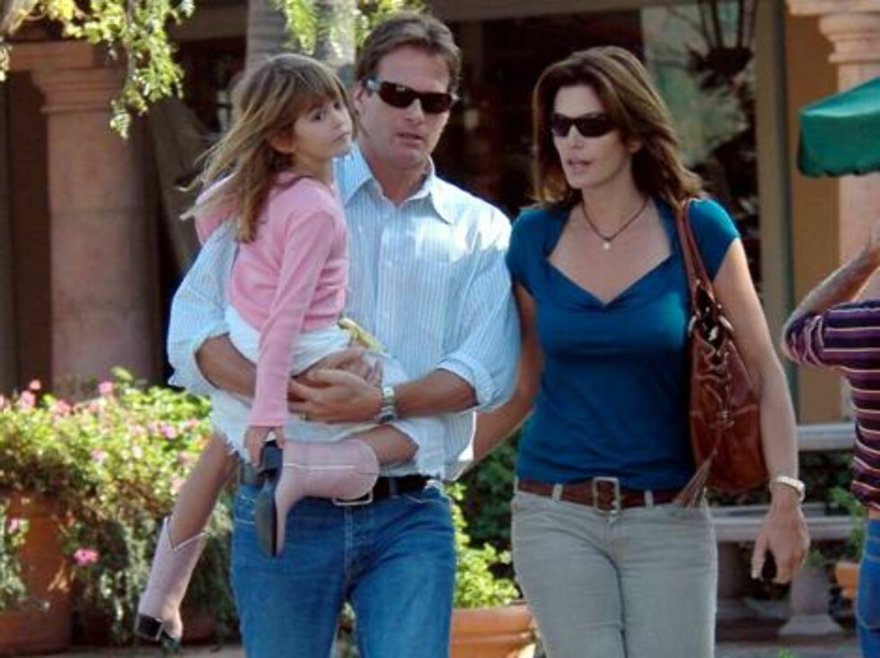 Cindy Crawford hanging out in Malibu with husband Randy Gerber and daughter Kaia  January 14, 2006 X17agency exclusive / ALL OVER PRESS Foto: All Over Press