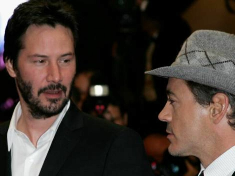 <strong>CANNES, FRANCE - MAY 25:</strong> Actors Robert Downey Jr. and Keanu Reeves (L) attend the 'A Scanner Darkly' premiere during the 59th International Cannes Film Festival May 25, 2006 in Cannes, France.  (Photo by Gareth Cattermole/Getty Images) *** Local Caption * Foto: All Over Press