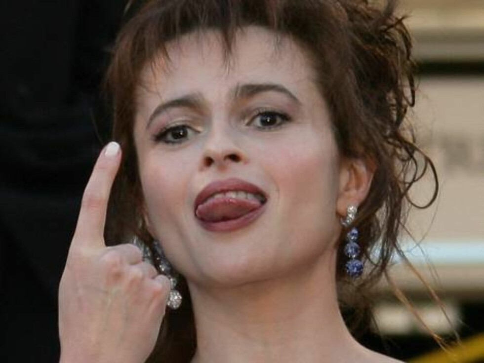 """Members of the Jury British director and actorTim Roth, left, and British actress Helena Bonham Carter arrive for the screening of the film """"Marie-Antoinette,"""" at the 59th International film festival in Cannes, southern France, on Wednesday, May 24, 2006. Foto: Scanpix / AP"""