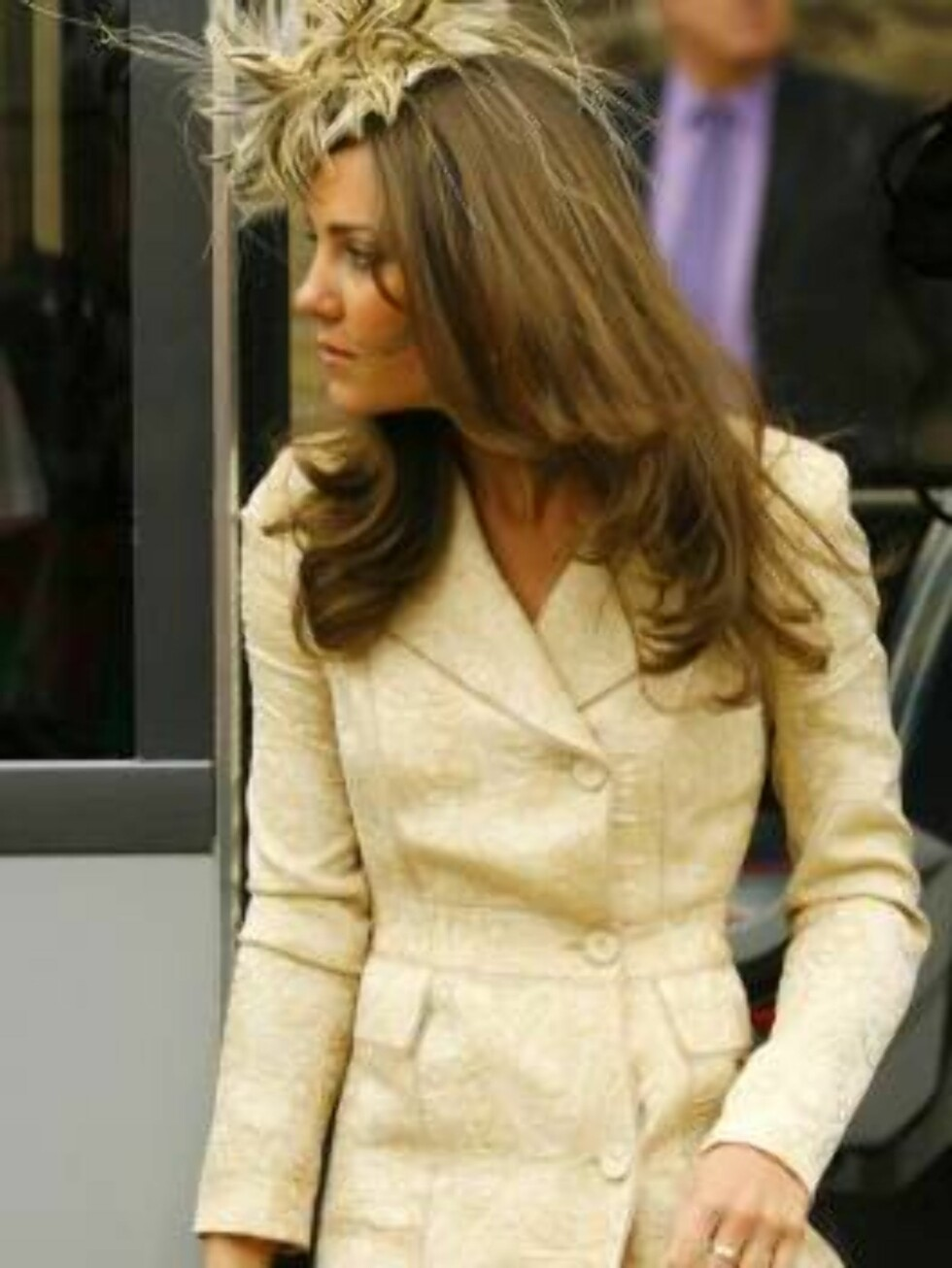 Prince William's girlfriend Kate Middleton arrives at St Cyriac's Church for the wedding of the Duchess of Cornwall's daughter Laura Parker Bowles to former Calvin Klein model Harry Lopes in Lacock, Wiltshire, England Saturday, May 6, 2006.  (AP Photo/Chr Foto: AP