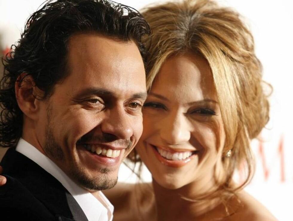LYKKELIGE: Jennifer med ektemannen Marc Anthony. Blir de snart foreldre? Foto: AP