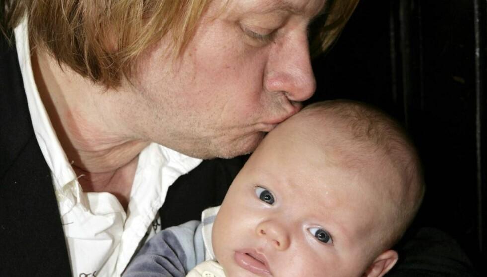 På'an igjen: Det er 25 år siden Jan Eggum ble småbarnsfar første gang. Lykken er like stor nå. Foto: Tor Kvello