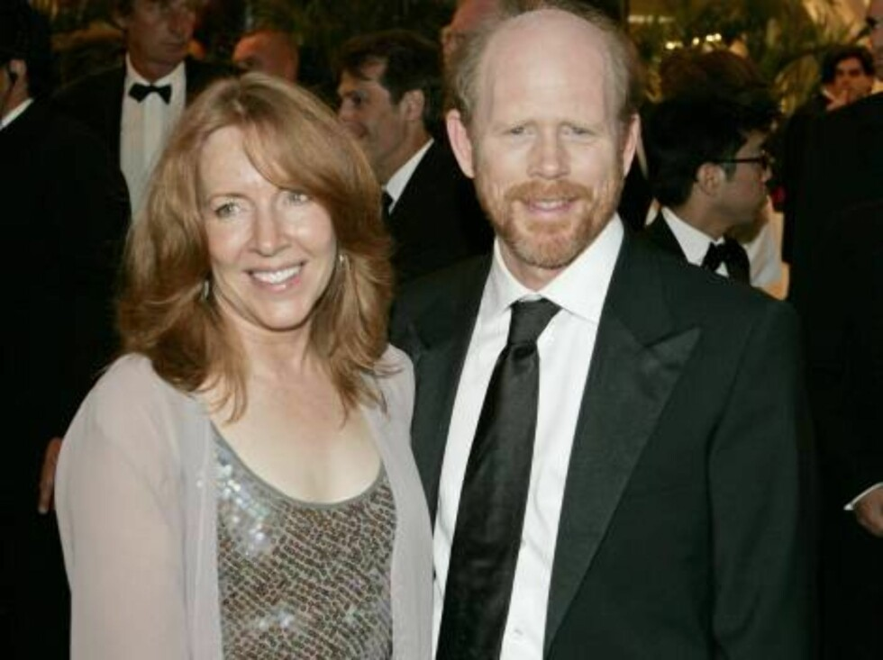 CANNES, FRANCE - MAY 17:  Director Ron Howard and his wife Cheryl attend the Opening Ceremony dinner at the Palais during the 59th International Cannes Film Festival May 17, 2006 in Cannes, France.  (Photo by Francois Durand/Getty Images) *** Local Captio Foto: All Over Press