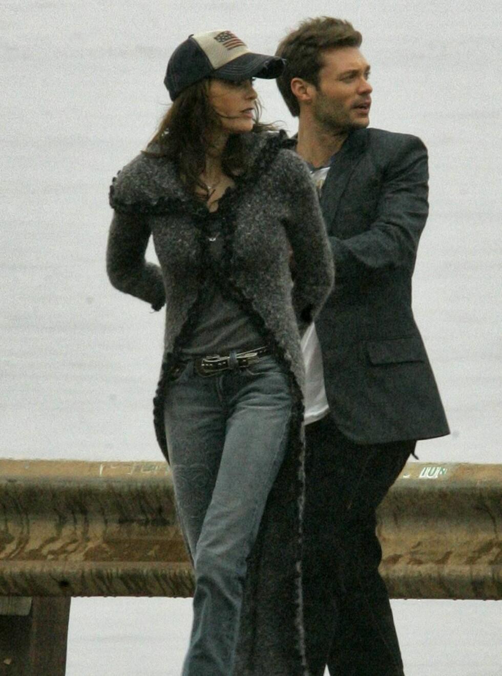 STILIG PAR: Teri og Ryan kler hverandre, selv om han er ti år yngre enn henne. Foto: colourpress.com
