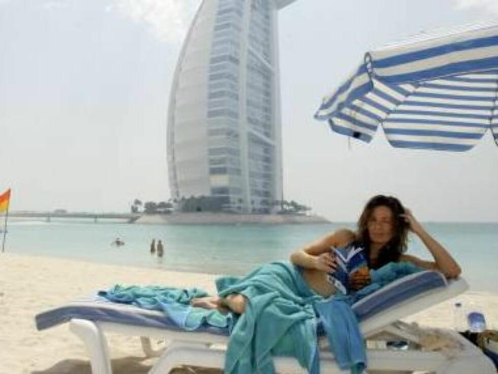 HERLIG: Cecilie Lynum i Dubai. Foto: Se og Hør