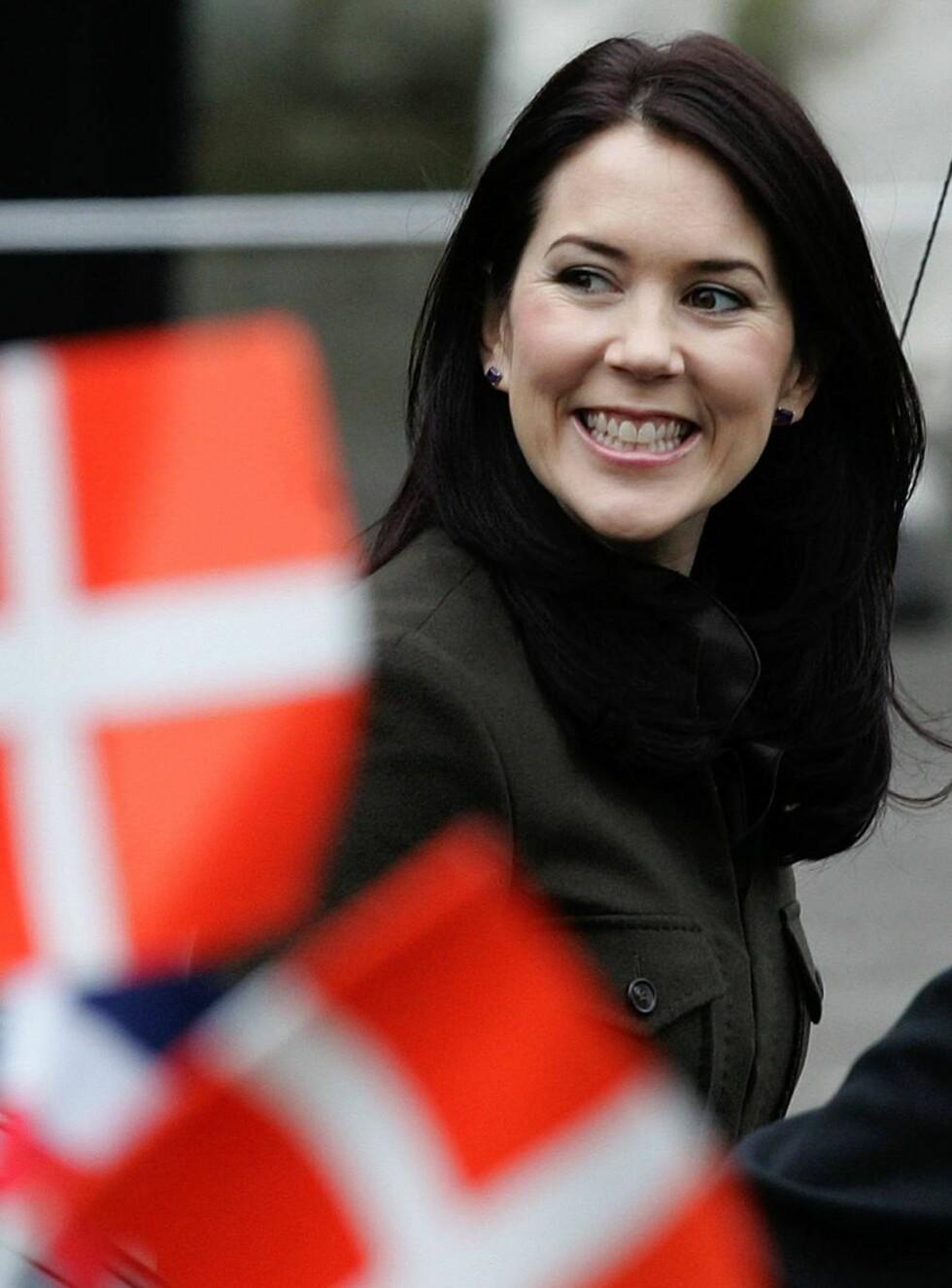 PÅ VEI OPP: Mary er fjerde mest populær av de danske kongelige. Når slår hun ektemannen? Foto: AP/SCANPIX