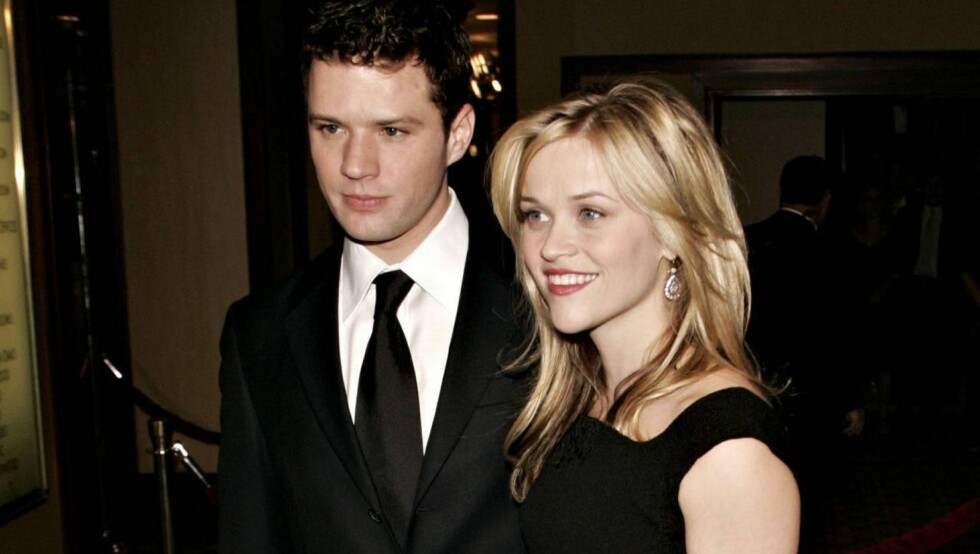 LOS ANGELES, CA - JANUARY 28:  Actor Ryan Phillippe and actress Reese Witherpoon arrive at the 58th Annual Directors Guild Of America Awards held at Hyatt Regency Century Plaza on January 28, 2006 in Los Angeles, California.  (Photo by Michael Buckner/Get Foto: All Over Press