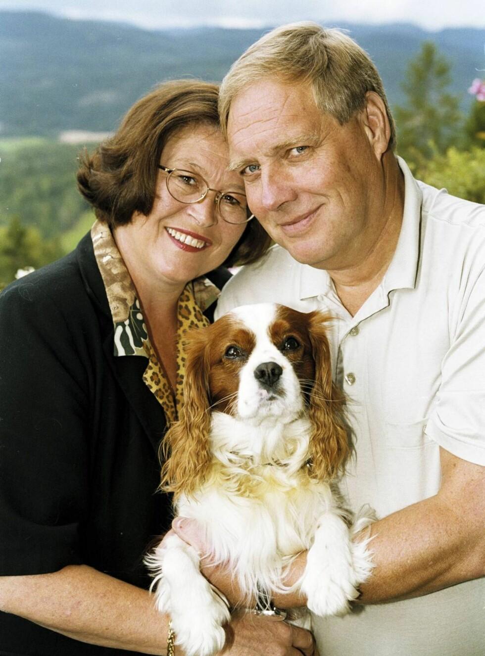 DET GODE LIVET: Dette Se og Hør-bildet fra 2000 er et av de beste minnene Ingun har. Bildet henger på hedersplassen i stuen. Foto: Soh Tor Kvello