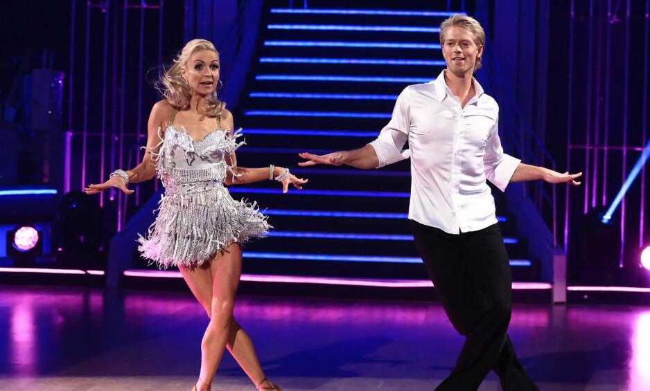 NED I VEKT: Proffdanser Nadya Khamitskaya gir alt når hun konkurrerer i «Skal vi danse». Denne høsten, i Nadyas siste sesong, har hun og Eilev Bjerkerud trent mer enn hun har gjort noen gang tidligere i TV 2-programmet. Foto: Thomas Reisæter / TV 2