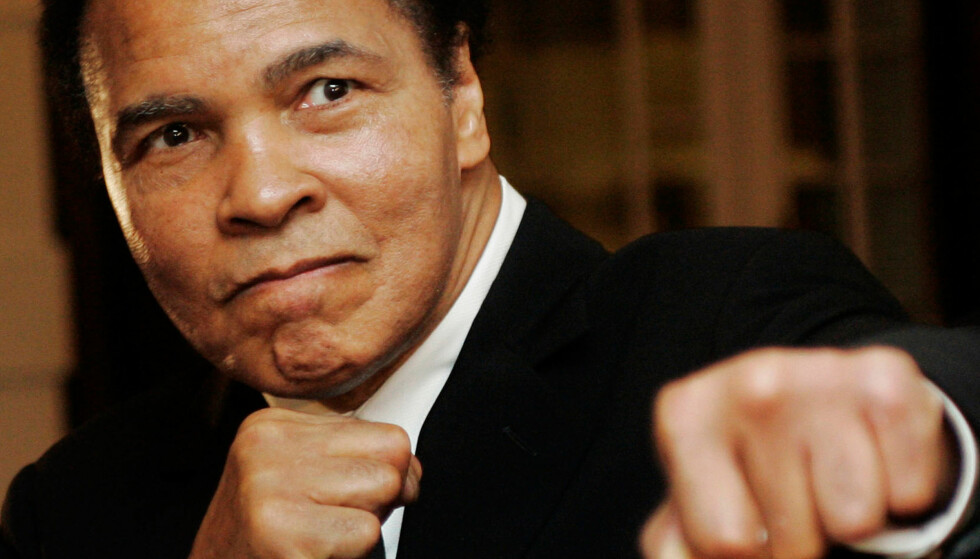 BOKSELEGENDE: Muhammad Ali hadde en eventyrlig karriere som idrettsutøver. Han ble 74 år. Foto: NTB Scanpix