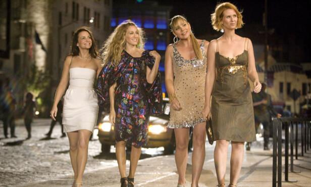 STOR SUKSESS: Kim Cattrall spilte PR-agenten Samantha Jones i «Sex og singelliv». TV-serien har blant annet blitt vunnet syv Emmy Awards, åtte Golden Globes og tre SAG Awards . Foto: Scanpix