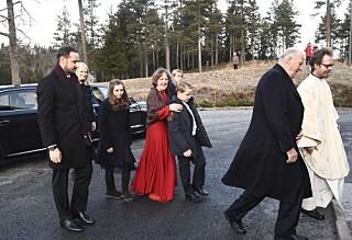 Dronning Sonja droppet gudstjeneste på grunn av sykdom