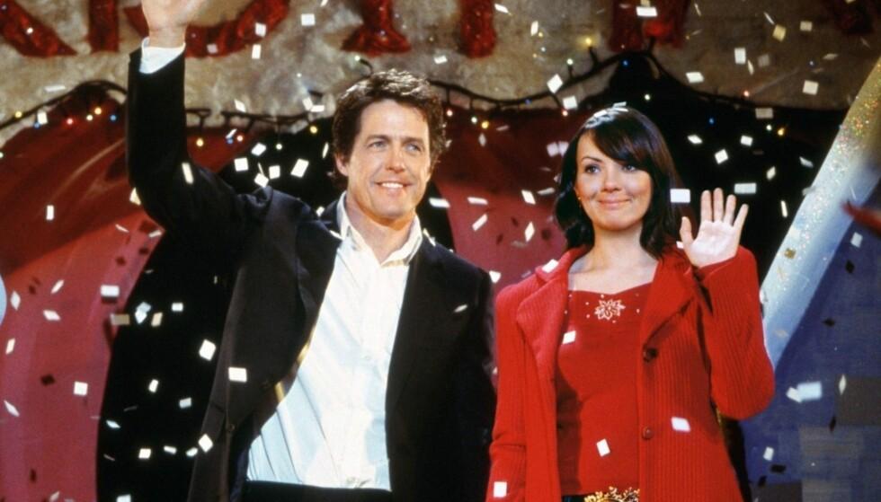 INTERNASJONAL BERØMMELSE: I 2003 spilte Martine den søte sekretæren Natalie i «Love Actually». Her med filmkollegaen Hugh Grant.