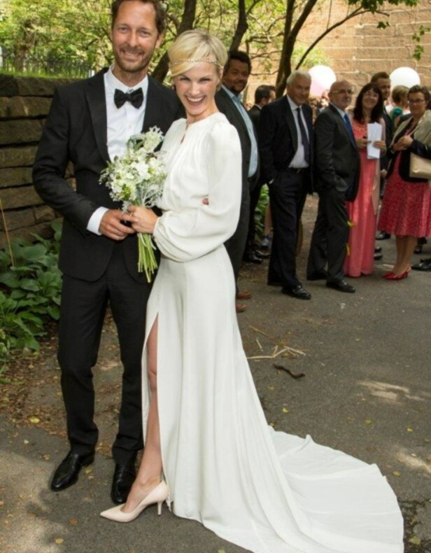 GIFTET SEG: Trond Fausa Aurvåg og Lena Kristin Ellingsen på bryllupsdagen sin i august 2014. Foto: Tor Lindseth / Aller Media