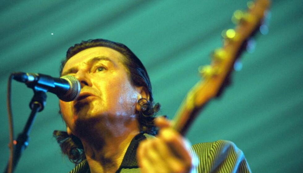 - FANTASTISK MENNESKE: Sverre Kjelsberg var mest kjent som bassist og vokalist i The Pussycats og som deltaker i Eurovision Song Contest i 1980 med «Samiid Ædnan». Foto: NTB Scanpix