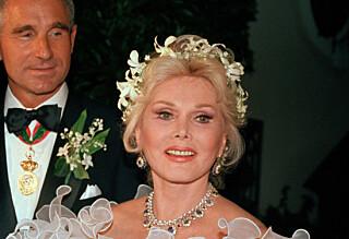 Hollywood-divaen ankom sin egen begravelse i en Louis Vuitton-veske
