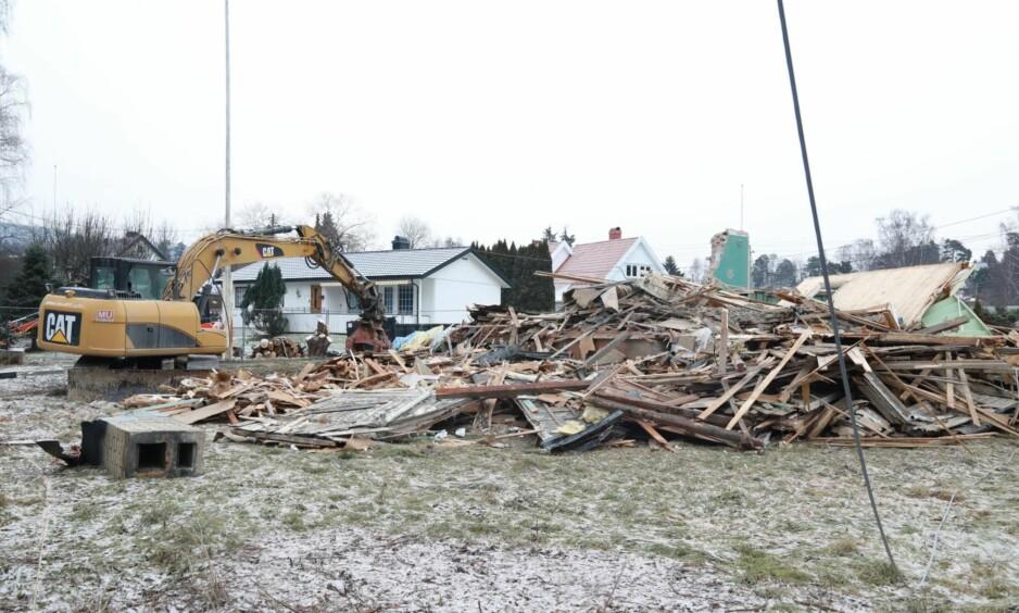 REVET VILLA SOLUM: Drømmehuset til Tone Damli og Markus Foss er nå historie. FOTO: Tor Lindseth