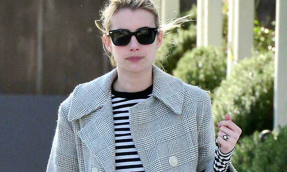 FORLOVet? Ryktene svirrer etter at Emma Roberts dukket opp med denne ringen da hun var på shopping i Beverly Hills. Dette blir isåfall andre gang hun forlover seg med Evan Peters. FOTO: D. Cooper/Broadimage/NTB Scanpix