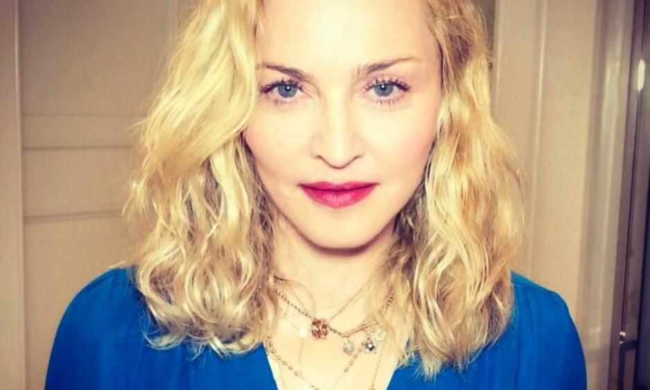 Madonna viser frem tvillingjentene sine