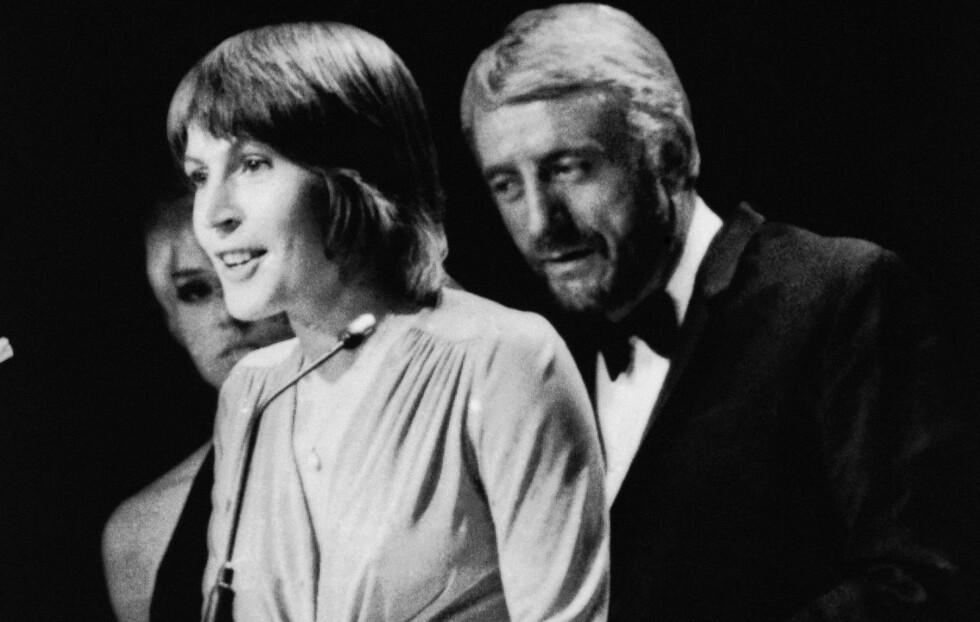 <strong>SKAPTE OPPSTYR:</strong> I 1973 skapte Helen Reddy skandale da hun tok imot prisen for beste vokalprestasjon for singelen «I Am Woman». Hun takket nemlig Gud og refererte til den hellige som «hun» istedet for «han». Foto: Ap