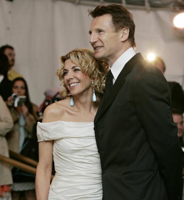 MISTET KONA: Liam Neeson sammen med Natasha Richardson på MET-gallaen i New York i mai 2005, nesten fire år før hun døde. Foto: Stuart Ramson / AP/ NTB scanpix