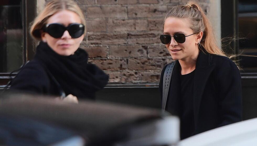BERØMT DUO: På 90-tallet var Ashley og Mary-Kate Olsen et av verdens mest omtalte tvillingpar. Nå er de mindre synlige i offentligheten. Foto: Dimitrios Kambouris / Getty Images / AFP / NTB Scanpix