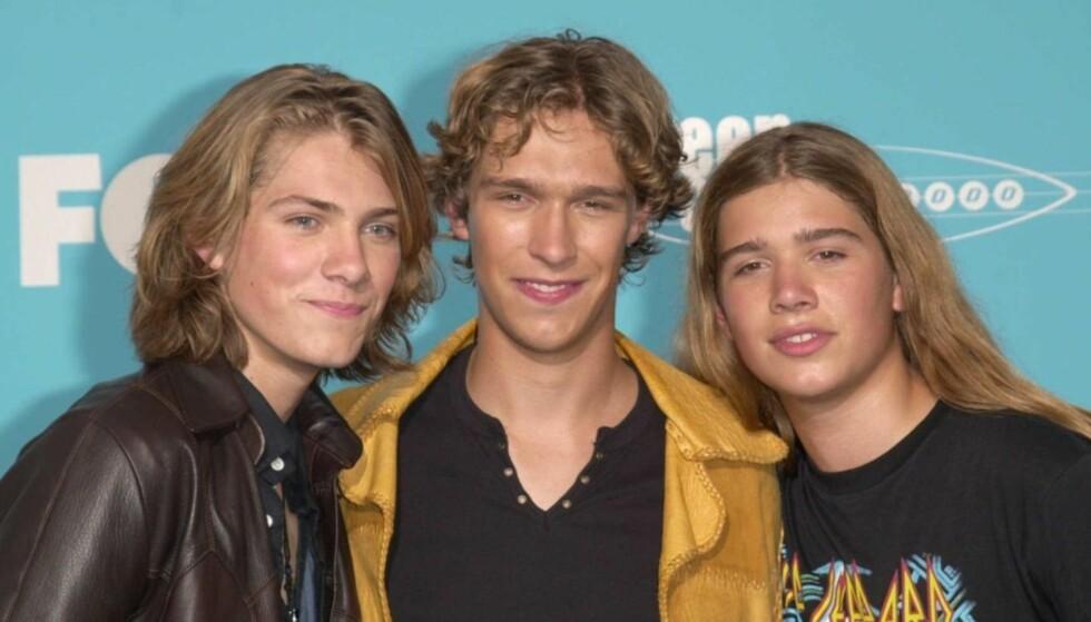 90-TALLS STJERNER: Taylor, Isaac og Zac Hanson ble store stjerner på 90-tallet. Nå har de gitt hitlåten «Mmmbop» nytt liv. Foto: All Over Press