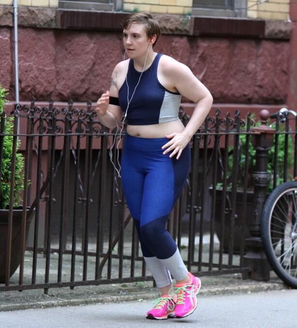 PÅ JOGGETUR: Lena elsker følelsen av at kroppen har blitt sterkere etter at hun begynte å trene. Foto: Splash News