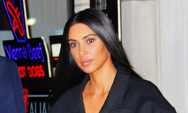 TRAUMER: Selv om Kim Kardashian (36) har returtnert til rampelyset, sliter hun med store ettervirkninger etter det brutale Ranet i Paris for fem måneder siden. Foto: Splash / NTB Scanpix