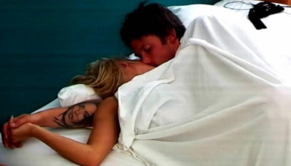 BLE FORELDRE: Thea Bråthen Christensen og Emil Løvstad ble et par etter at de falt for hverandre på «Paradise Hotel» i 2010. Senere ble de også foreldre.
