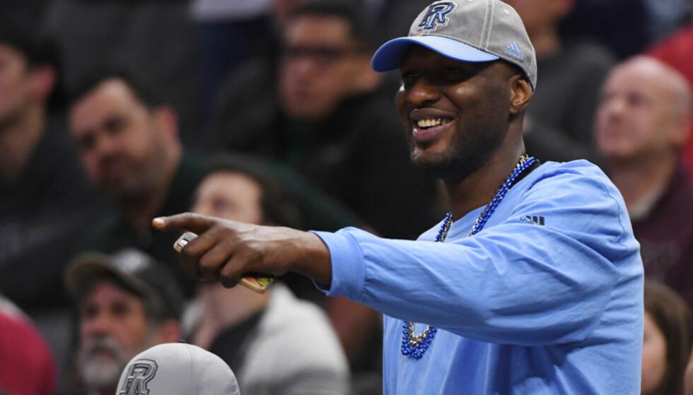 <strong>PÅ BEINA IGJEN:</strong> Lamar Odom har fått et nytt liv etter at han havnet i koma for halvannet år siden. Her avbildet på en basketballkamp forrige uke. Foto: Kyle Terada / USA Today / NTB Scanpix