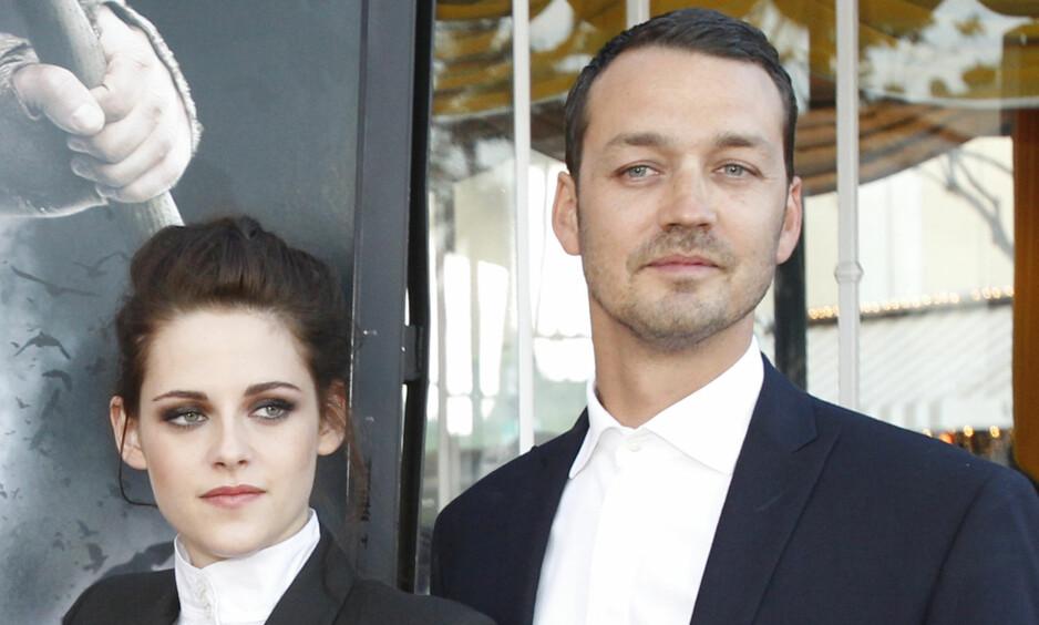 UTROSKAPSSKANDALE: Affæren mellom skuespiller Kristen Stewart og Rupert Sanders er kanskje en av de mest omtalte utroskapsskandalene i Hollywood. Nå forteller sistnevnte om tida etter. Foto: NTB Scanpix